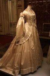 [P001] Embroidered Golden Renaissance Gown by MANGO-stock