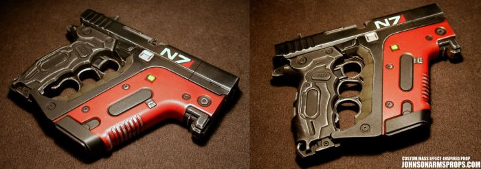 Custom Mass Effect-inspired Energy Pistol by JohnsonArmsProps
