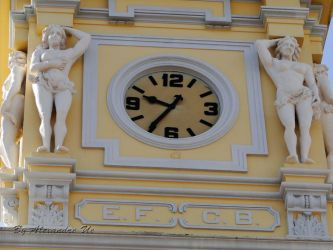Watch of Central de Belo Horizonte station by Alexandre-ue