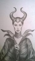 Maleficent by ElloXoMOW