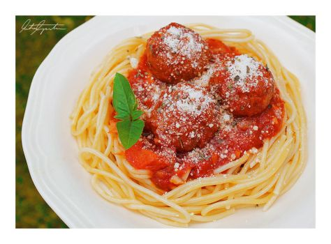 Spaghetti with Meatballs by ScarletWarmth
