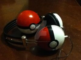 Pokeball and Pokephones by steady-vertigo