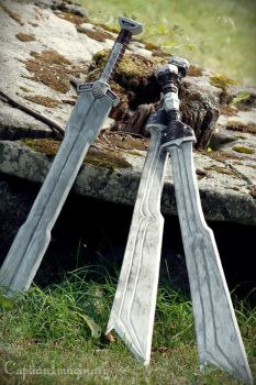 Fili and Kili's swords by shisukoisa