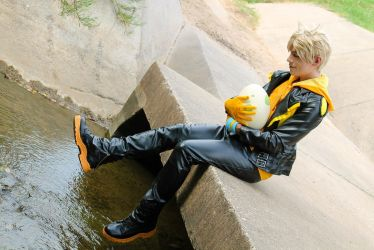 Spark, leader of Team Instinct (Cosplay) by NipahCos