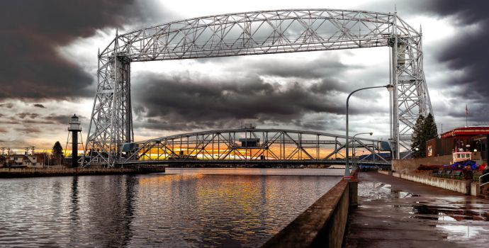 Aerial Lift Bridge, Duluth, Minnesota by AugenStudios