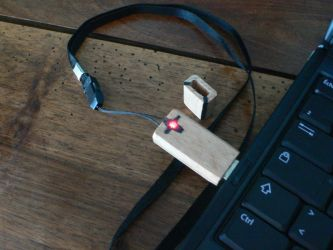 USB key made of wood by Alf-arobase