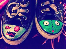 Invader Zim Shoes by sparklypoodle