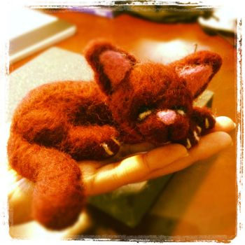 Needle Felting: Sleeping Cat by Avi-Ayuni