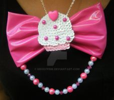pink cupcake necklace by messypink