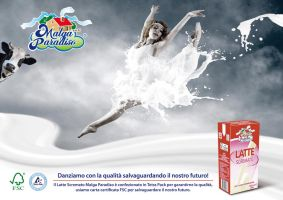 advertising: milk with FSC (dancing) by hidrospeed