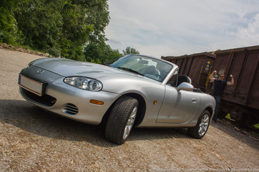 Mazda MX-5 (end the guy in the background :D ) by RedMax88