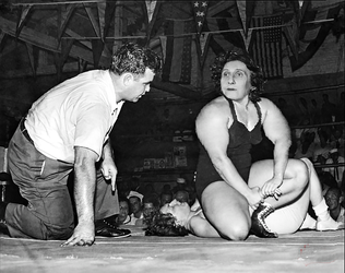 Old Time Granny Wrestler  by GrannyMuscle