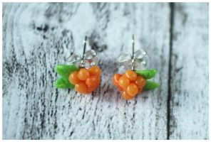 Cloudberries by Shiritsu