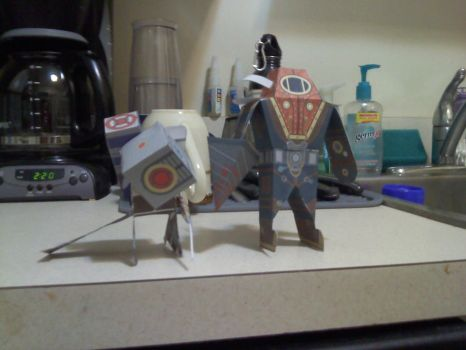 Big Daddy and Big Sister papercraft by silkymilkman