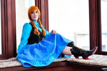 Anna (Frozen) Cosplay by Lisa-Lou-Who