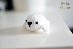 Little Seal by MissBajoCollection