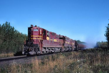 SD9 171 leads SD38-2 209 and SD18 176 by ROGUE-RATTLESNAKE