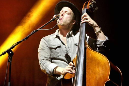 Mumford and Sons:  Ted Dwane by basseca