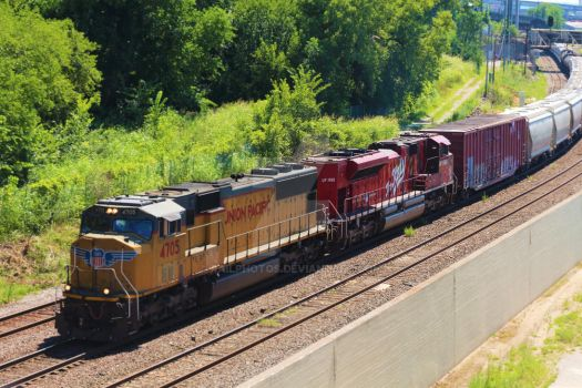 UP 4705 east. by Railphotos
