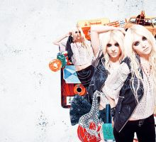 Taylor Momsen -- by xcolourmepretty