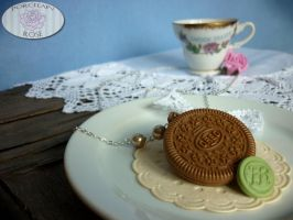 OREO COOKIE NECKLACE by theporcelainrose