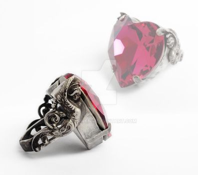 Valkyries and Heart Ring by Aranwen