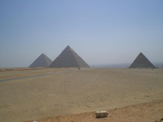 Three pyramids of giza by kimyona123