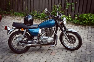 1982 suzuki gs450T by 5bodyblade