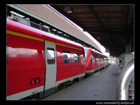 Incoming Train by traum