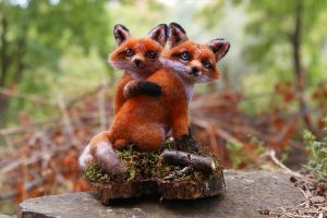 Fox Couple by LaVolpeCimina