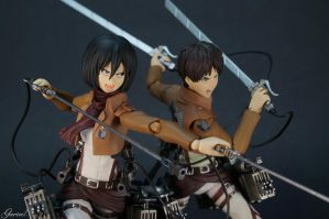 Mikasa Ackerman and Eren Yeager - Attack On Titan by Garivel