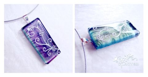 Purple-green glass necklace by caithness-shop