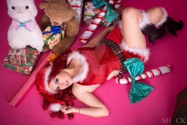 Miss Fortune Candy Cane by Anapaulajil