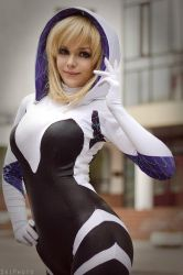 Spider Gwen by Taorich