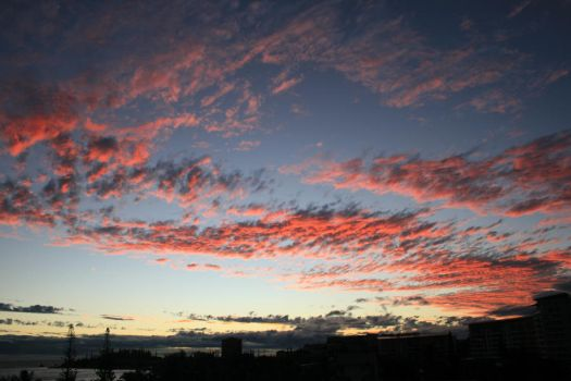 Noumea Sunset by totallehmaddeh