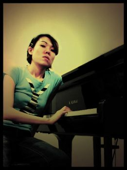 Piano Girl by am-y