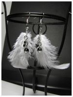 Black and White -earrings commission by SaQe