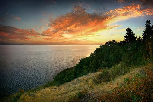 Last Light at Whitefish Bay by tfavretto