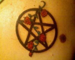 Rose Pentacle by BrokenHearted-Dreamz