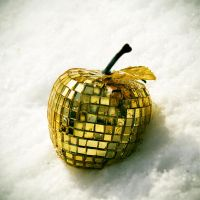 golden apple by Chibasenka