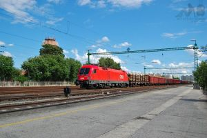 1116 006-6 resting with freight in Gyor by morpheus880223
