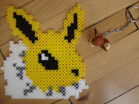 Beaded Jolteon by NozomiMomuchu