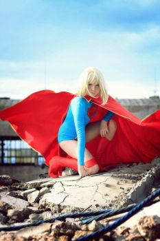 Supergirl by Shizuo-san