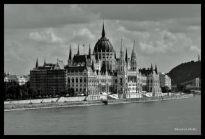 Parliament of Hungary by Elessar91