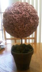 Paper rose topiary by Gurly