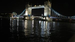 A Night at Tower Bridge by satsui
