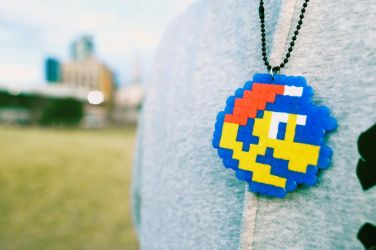 8 - Bit Mario Chain by CleverTrever