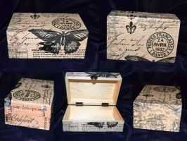 Vintage butterfly wooden box by Soulren