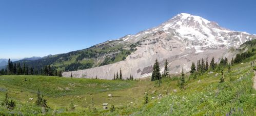 Rainier once again by Evogelion