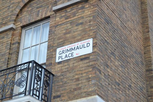 Grimmauld Place by Poppehtart